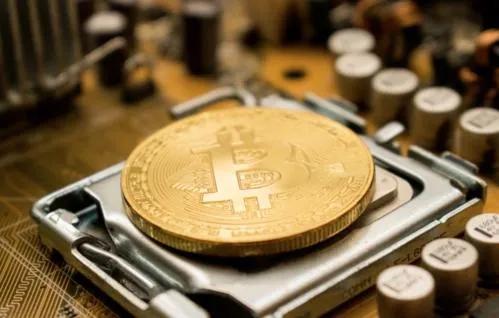 分析师:比特币将在未来18个月内上涨100-400%配图(3)